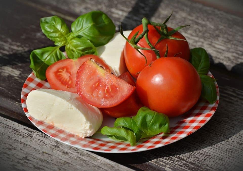 pomodori e latticini fanno male