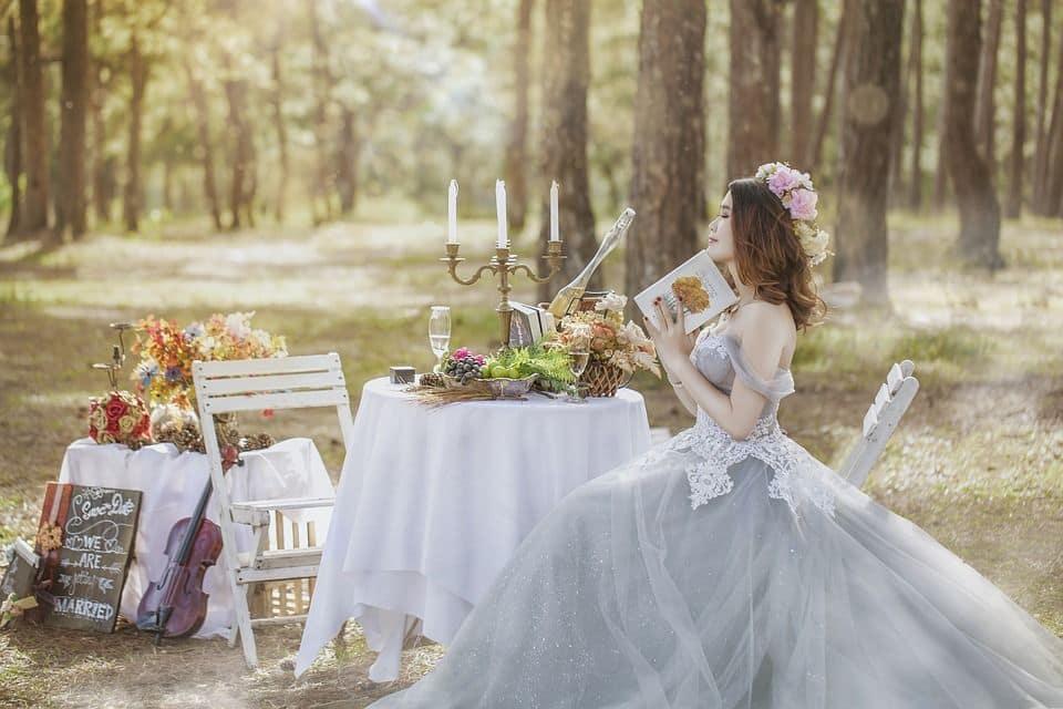 sposa si rilassa prima delle nozze
